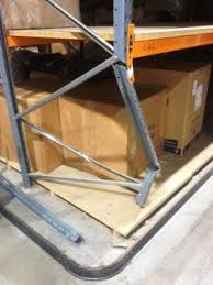 straightening pallet racking uprights