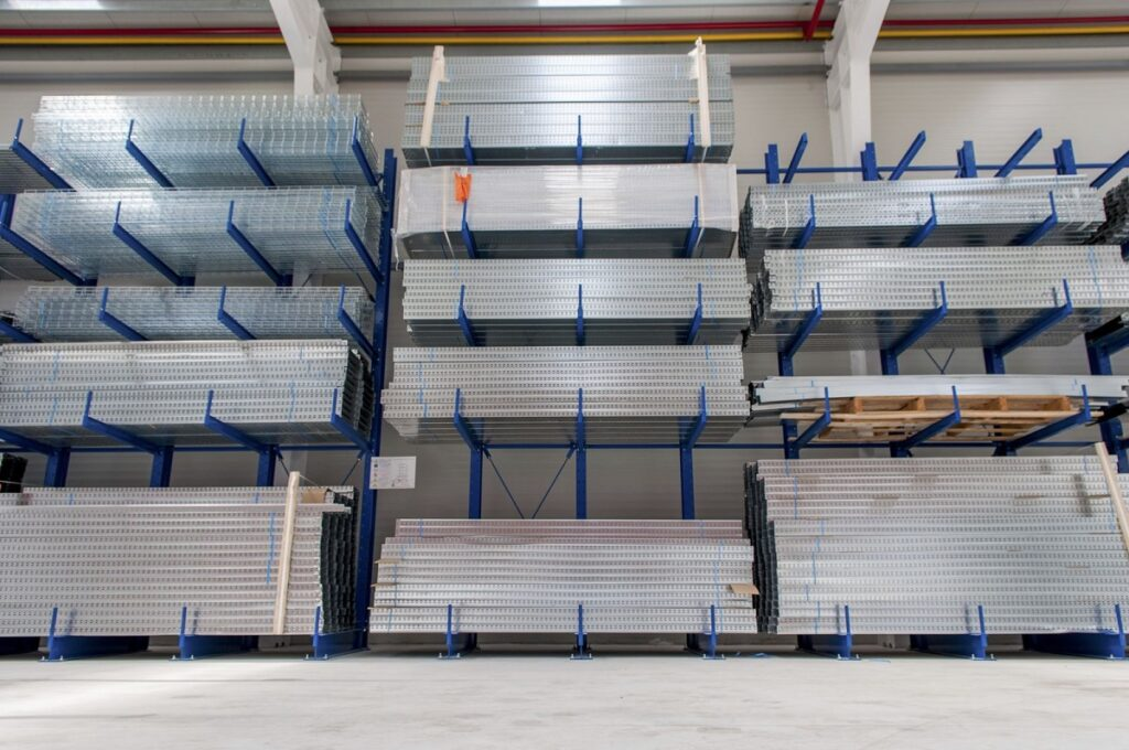 Heavy Duty Cantilever Shelving